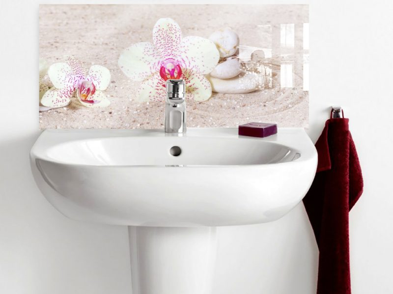 Orchids and Zen stones in Sand Basin Splashback